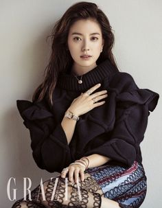 """Taking a well deserved break after the shooting of """"W – Two Worlds"""", Han Hyo Joo is a stunning goddess in the November issue of Grazia. Wearing the latest from Burberry, she trav… Korean Beauty, Asian Beauty, Beautiful Asian Women, Beautiful People, Asian Woman, Asian Girl, Bh Entertainment, Grazia Magazine, Han Hyo Joo"""