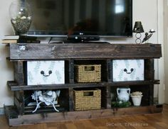 Build a handsome TV console/rustic storage unit from pallets.