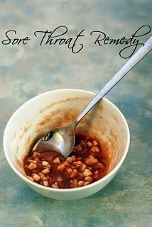 Sore throat remedy * 1 Tablespoon raw honey * teaspoon cayenne pepper * 4 cloves garlic chopped as finely as possible * Mix honey + pepper + then add the garlic. * Take a teaspoon every hour (chew and don't wash down with anything! Sore Throat Remedies, Cold Remedies, Herbal Remedies, Health Remedies, Holistic Remedies, Natural Cures, Natural Healing, Holistic Healing, Get Healthy