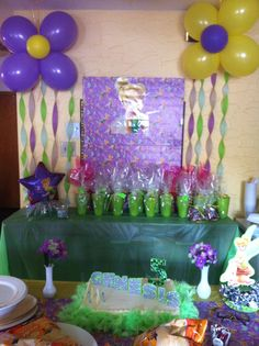 Tinkerbell party.. Love the balloon flowers!