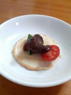 Autumn treat: balsamic glazed chicken liver, basil and tomato