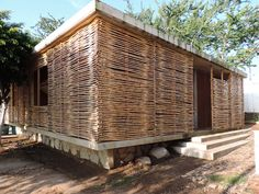 In 4 Days, 100 Volunteers Used Mud and Reeds To Build This Community Center in Mexico