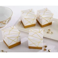White and Gold Geometric Favor Box (Set of – My Wedding Favors Gold Wedding Favors, Inexpensive Wedding Favors, Wedding Favor Boxes, Bridal Shower Favors, Bridal Showers, Wedding Cakes, Geek Wedding, Wedding Ideas, Baby Showers