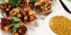 Stuffed Masala Mushrooms Recipe - A corn and mushroom mixture stuffed into mushroom caps, topped with cheese and baked to perfection. Easy Veg Recipes, Easy Mushroom Recipes, Best Mushroom Recipe, Best Vegetarian Recipes, Easy Meals, Vegetarian Meal, Yummy Recipes, Indian Appetizers, Indian Snacks