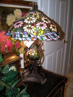 FABULOUS LOUIS COMFORT TIFFANY STYLE DESK TABLE 3 LIGHT STAINED GLASS LAMP SHADE