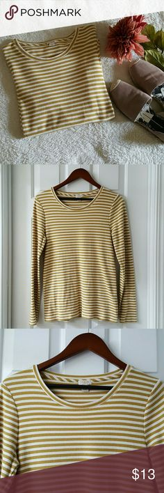 J.CREW Factory Striped Top J.CREW Factory Striped Top. Excellent condition. Length from shoulder to hem is approx 26 inches. J. Crew Factory Tops Tees - Long Sleeve
