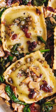 Ravioli with Spinach, Artichokes, Capers, Sun-Dried Tomatoes. Vegetables are sautéed in garlic and olive oil. Make with vegan ravioli to veganize! Pasta Recipes, Dinner Recipes, Cooking Recipes, Lunch Recipes, Beef Recipes, Recipe Pasta, Cooking Fish, Cooking Bacon, Healthy Vegetarian Recipes