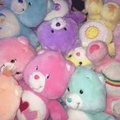 care bears are the shit 💞 Rainbow Aesthetic, Retro Aesthetic, Aesthetic Photo, Aesthetic Pictures, Aesthetic Dark, Aesthetic Pastel, Aesthetic Collage, Care Bears, Collage Mural