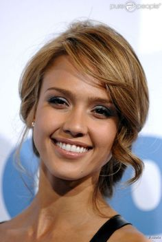 Jessica Alba- love t he front of this updo Wedding Hair And Makeup, Bridal Hair, Hair Makeup, Jessica Alba Blond, Jessica Alba Updo, Pretty Hairstyles, Wedding Hairstyles, Bridesmaid Hair, Look Fashion