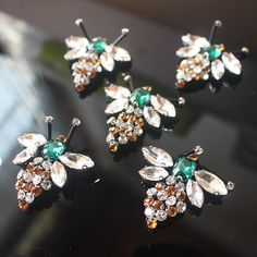 Cheap patches appliques, Buy Quality applique sew directly from China decorative patches Suppliers: 5Pcs/lot Bees Sequins Rhinestones Bead Brooch Patches Applique Sew on Beading Qpplique Clothes Shoes Bags Decoration Patch DIY
