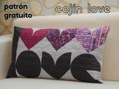 Patrón gratuito cojín de patchwork para San valentín