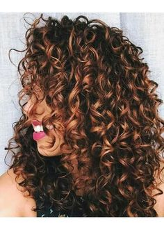 WATCH: Beautiful Balayage Highlights Inspiration for Your Next Salon Visit Hair Inspiration_Brunette Curls with Auburn Balayage Highlights Curly Hair, Balayage Highlights, Balayage Hair, Curly Hair Styles, Long Curly Hair, Natural Hair Styles, Curly Girl, Ombre Curly Hair, Hair Dye