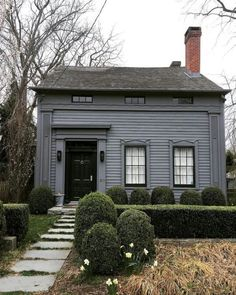 Took a stroll in Sag Harbor yesterday, and noticed that my fav cottage was finally sold. Gotta admit, I'm a little jealous--in a good way. Saltbox Houses, Old Houses, Exterior House Colors, Exterior Paint, Cabana, Colonial House Exteriors, Dark House, Primitive Homes, Cabins And Cottages