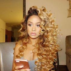 Blonde Hair Weave Hairstyles for Black Women - Bing images Love Hair, Gorgeous Hair, Curly Hair Styles, Natural Hair Styles, Honey Blonde Hair, Hair Game, Wig Hairstyles, Blonde Weave Hairstyles, Hair Dos