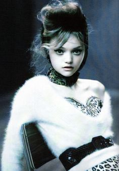 Gemma Ward    http://fashionsmostwanted.blogspot.com/2011/01/my-favourite-photographers-paolo.html