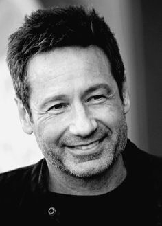 David Duchovny is an amazing actor. I love him so much Most Beautiful Man, Gorgeous Men, Postmodern Literature, Theater, David And Gillian, Attracted To Someone, Tv, Chris Carter, Dana Scully