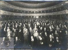 Teatro Cervantes de Málaga. Fue construido en 1869 bajo la dirección del arquitecto Jerónimo Cuervo. La fotografía que forma parte del fondo del  Archivo de la Diputación de Málaga. (Sig. Es29067ADPM LC 26:3:2) nos ofrece una imagen del interior del teatro en todo su esplendor datada en la década de los 40 del siglo pasado.