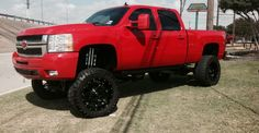 Who would drive this monster... #truck #Arlington #power #Chevrolet #lift #4x4