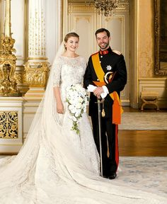The Wedding Of Prince Guillaume Of Luxembourg and Stephanie de Lannoy - Official Ceremony. Hereditary Grand Duke Prince Guillaume of Luxembourg and his wife Princess Stephanie pose inside the Grand Ducal Palace Famous Wedding Dresses, Royal Wedding Gowns, Royal Weddings, Wedding Bride, Robes Elie Saab, Estilo Real, Princess Stephanie, Royal Dresses, Prom Dresses