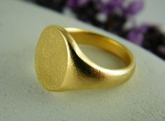 Gold signet ring round ring by BeautySpotJewelry on Etsy, $68.00