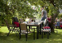 FALSTER:  Tavolo e 4 sedie con braccioli