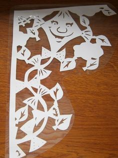 podzimní výzdoba oken v mš - Hľadať Googlom Aa School, School Clubs, Windows Color, Diy And Crafts, Paper Crafts, Paper Stars, Album Design, Autumn, Fall