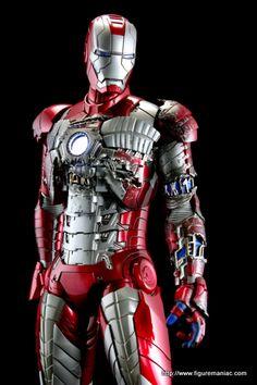 Hot Toys Iron Man 2 Mark V