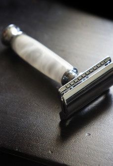 SHOP - Imperium woodcraft extremely exquisite razors. Double Edge Safety razor in white pearl. Custom razors and grooming products. http://www.imperiumwood.com/