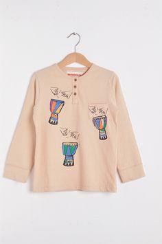 Nadadelazos Μπλούζα από οργανικό βαμβάκι - Djembe  100% οργανικό βαμβάκι Barcelona, Graphic Sweatshirt, Sweatshirts, Sweaters, Fashion, Moda, Fashion Styles, Barcelona Spain, Trainers