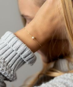 Minimal Bracelet - Tiny Freshwater Pearl Bracelet - Simple Jewelry - Gold Fill Rose Gold or Silver - - Source by bracelets Delicate Jewelry, Simple Jewelry, Cute Jewelry, Jewelry Accessories, Jewelry Design, Simple Bracelets, Rose Gold Jewelry, Brass Jewelry, Minimal Jewelry