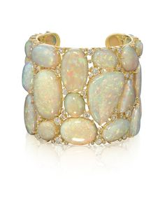 Linha Mustique opal cuff - Coleção Underwater Amsterdam Sauer by Bianca Brandolini. #opal #bangle