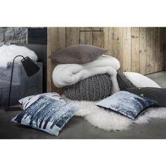 les 25 meilleures id es de la cat gorie gros coussin canap sur pinterest gros coussin pour. Black Bedroom Furniture Sets. Home Design Ideas
