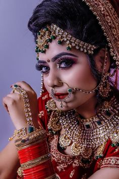 Best Makeup Artists , Plan your Wedding Makeup Artist the best way of shubhbaraat to help you. According to your budget and desire like – Bridal Makeup Artist, Makeup Artist, Airbrush Bridal Makeup. Hd Bridal Makeup, Bride Makeup, Best Makeup Artist, Wedding Makeup Artist, Indian Bridal Photos, Indian Wedding Photography, Free Photography, Korean Beauty Girls, Bridal Poses