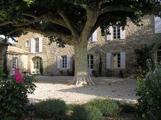 French garden design - gravel courtyard