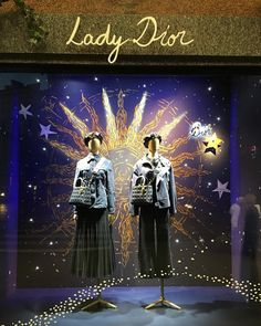 Visual Merchandiser, styling and still life designs Winter Window Display, Window Display Design, Window Displays, Merchandising Displays, Store Displays, Lady Dior, Lafayette Paris, Holiday Travel, Holiday Trip