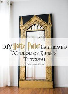 How to make your own DIY Harry Potter Cardboard MIRROR OF ERISED as a photo opportunity for your next party! The post has great step by step instructions and templates and you HAVE to see the adorable Harry Potter babies at the end! Via Delicious Reads Baby Harry Potter, Harry Potter Mirror, Objet Harry Potter, Harry Potter Fiesta, Classe Harry Potter, Cumpleaños Harry Potter, Harry Potter Nursery, Harry Potter Classroom, Harry Potter Wedding