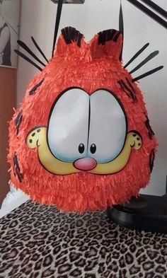 Garfield pinata
