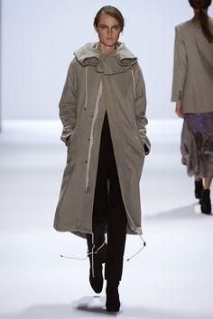 Richard Chai Love - www.vogue.co.uk/fashion/autumn-winter-2013/ready-to-wear/richard-chai-love/full-length-photos/gallery/918729