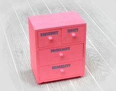 Pink jewelry box, hand-painted jewelry organizer for girls  http://sunnyleaf.wix.com/sunnyleaf
