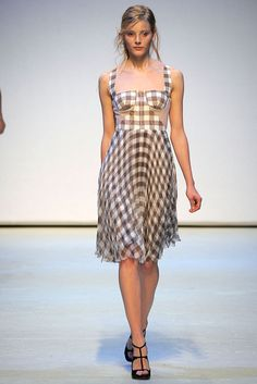 Christopher Kane Spring 2010 Ready-to-Wear - Collection - Gallery - Style.com