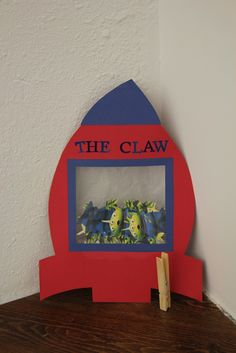 "Toy Story - ""the claw"" cute decoration"