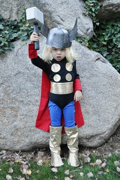 I Am Momma - Hear Me Roar: Thor Costume (for DailyBuzz Moms 9x9)