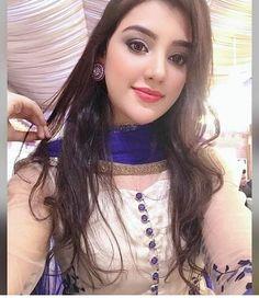 Stylish Girls Photos, Stylish Girl Pic, Cute Girl Poses, Cute Girl Photo, Beautiful Girl Photo, Beautiful Girl Indian, Actress Bikini Images, Desi Girl Image, Beauty Full Girl