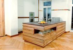 Diese Traumküche wurde realisiert in einem ehemaligen Schulhaus... das Klassenzimmer wurde umfunktioniert zu einer Wohnküche: weisse, pulverbeschichtete Front kombiniert mit Nussbaum massiv, geölt  Lassen Sie sich von uns kompetent unterstützen in der Umsetzung Ihres Projektes.  #schreinereilohrer #küchenbauer #massivholzküchen #kücheneinrichtungen #küchen #kochinsel #holzhochkarätig #kitchens #kitchendesign #carpenter #woodworker #raumgestaltung #architekten #gesamtumbau #sanieren Table, Design, Furniture, Home Decor, Repurposed, Wood Workshop, New Furniture, Architects, Class Room