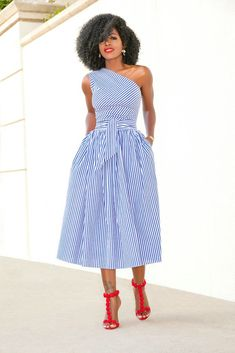 African fashion is available in a wide range of style and design. Whether it is men African fashion or women African fashion, you will notice. Classy Dress, Classy Outfits, Chic Outfits, Fashion Wear, Modest Fashion, Fashion Outfits, Fashion Top, Daily Fashion, Fashion Online