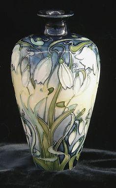 Fine Porcelain China Diane Japan Value Pottery Vase, Ceramic Pottery, Ceramic Art, Glass Ceramic, Ceramic Decor, Porcelain Jewelry, Porcelain Vase, Fine Porcelain, Dresden Porcelain