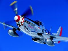 On old the excellent Worry Bird George Hall . Ww2 Aircraft, Fighter Aircraft, Military Aircraft, Fighter Jets, Airplane Fighter, Old Planes, P51 Mustang, Vintage Air, Nose Art