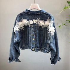 2019 New Spring and Autumn Women's Stereo Flower Tassel Small Chain Short Jean Jacket Student Casual Denim Coat Outwear Lined Denim Jacket, Denim Coat, Denim Jackets, Women's Jackets, Denim Kunst, Denim Fashion, Fashion Outfits, Emo Fashion, Modest Fashion