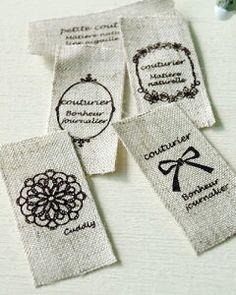 ハンドメイドに!オリジナルタグの作り方|VERANDAHER|モノトーン素材とインテリア雑貨 Mars, Craft Shop, Handmade Home, Gift Packaging, Blog Entry, Handicraft, Gift Tags, Diy And Crafts, Projects To Try