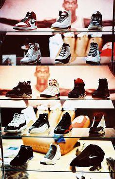 Michael Jordan Convoitise   purchase your  pink  Diana Ferrari  Slip-On and Velcro shoes  on the web     http://wwwshoebiz.com